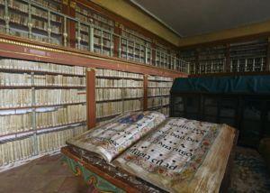 Yuso-Biblioteca