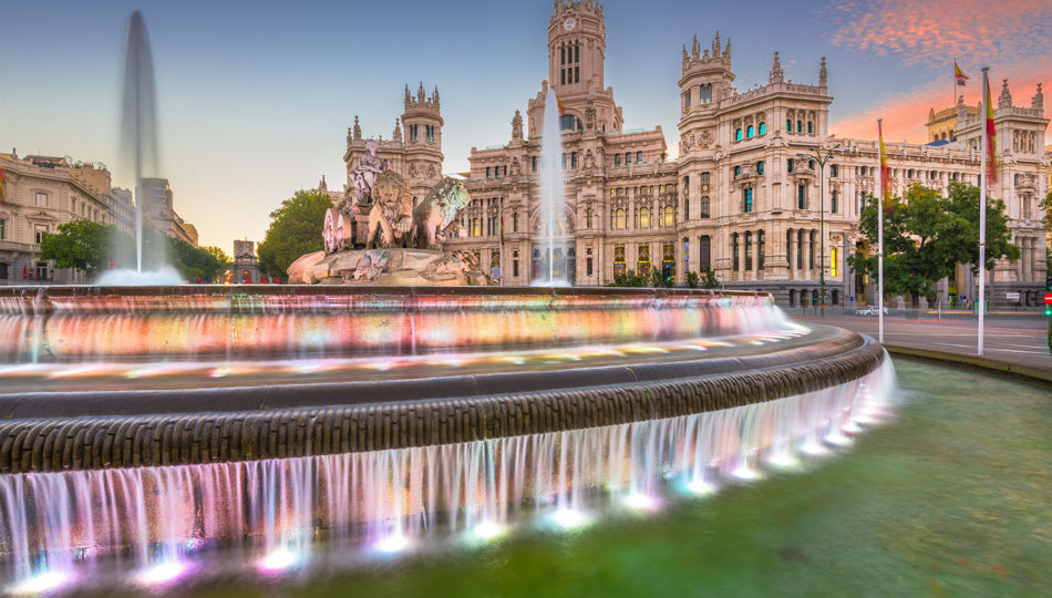 madrid-spain-plaza-de-cibeles